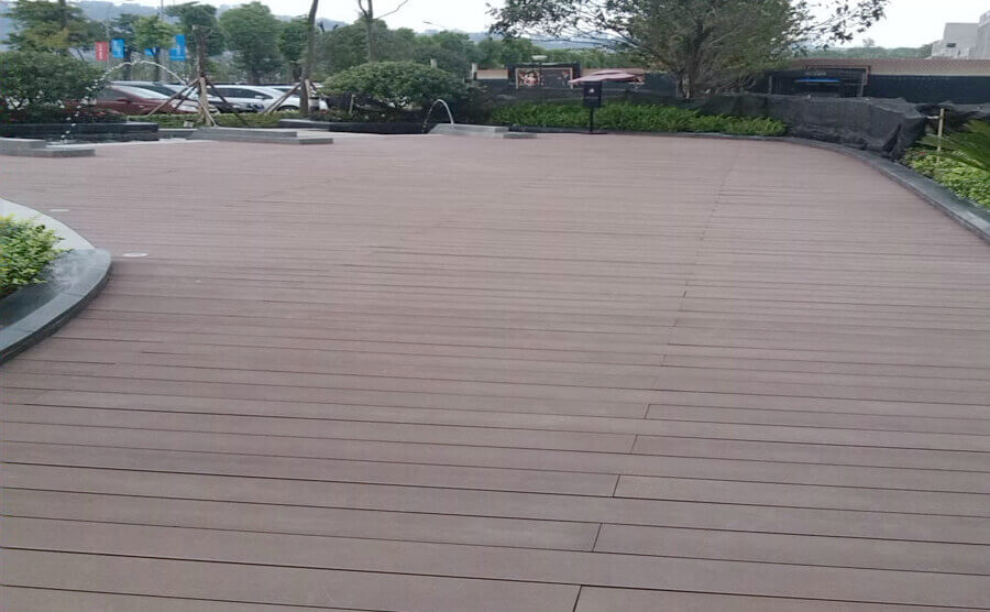 Usage and characteristics of wood plastic composite products