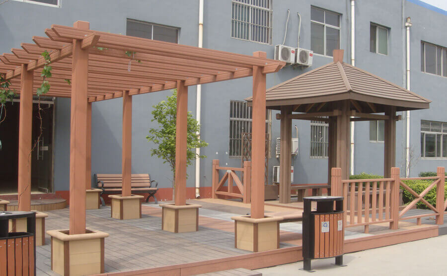 The difference between pergola and pavilion