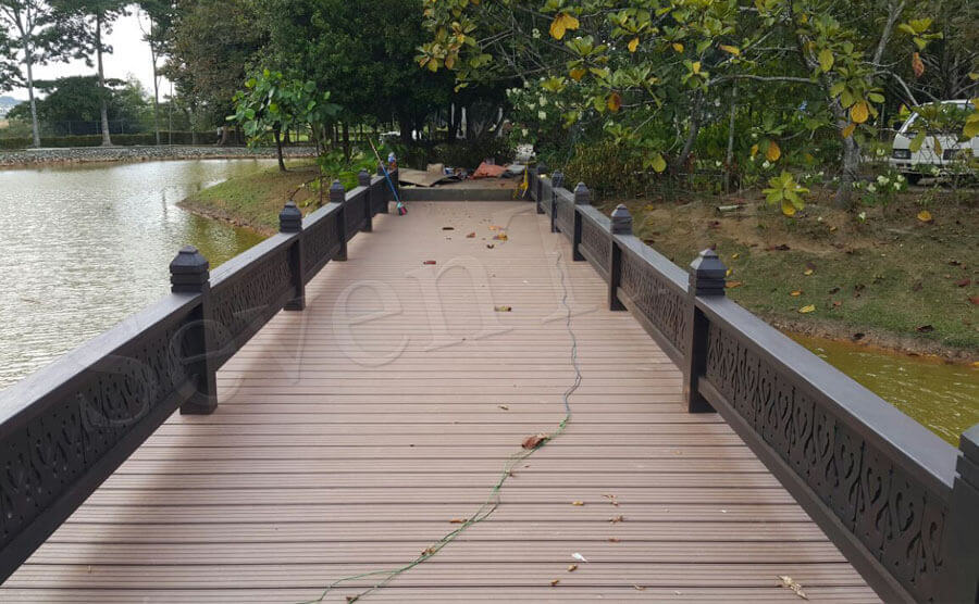 Considerations When Choosing Composite Hollow Decking Colors