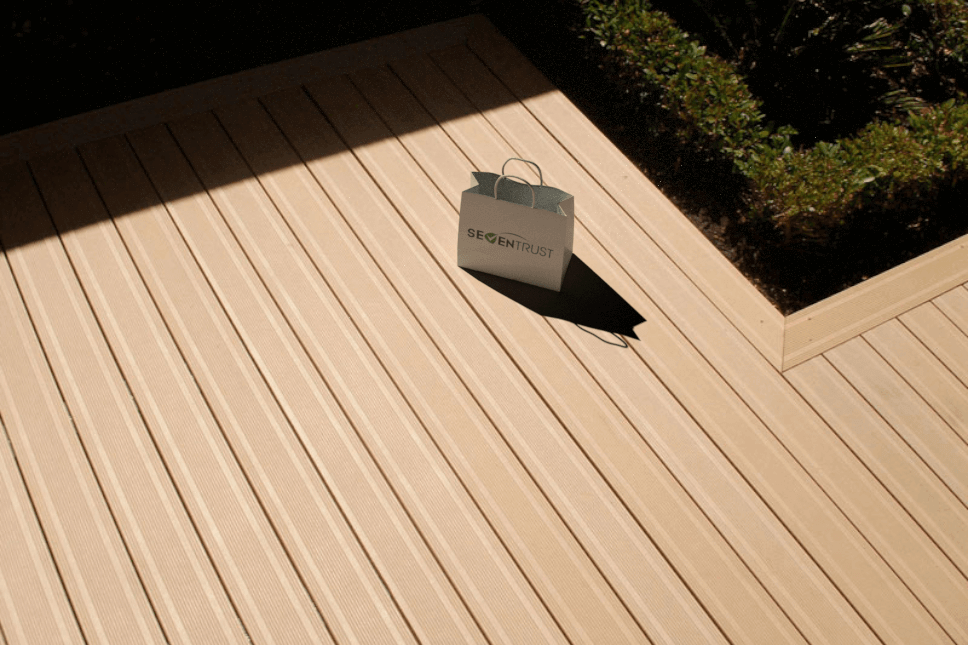 Easy to Install and Long Service Life Outdoor Floor